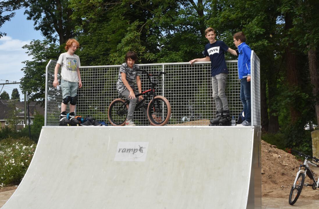 Nieuwe skatebaan door initiatief drie jongens