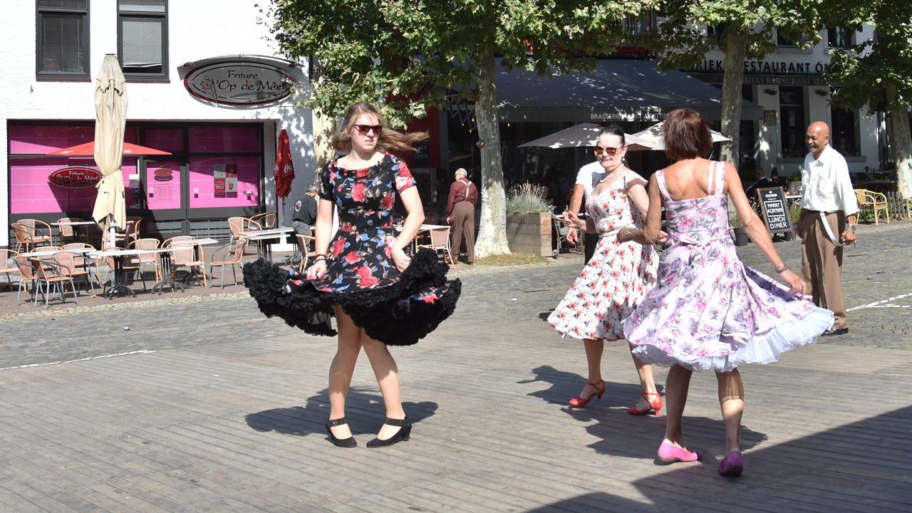 Dansen op de markt