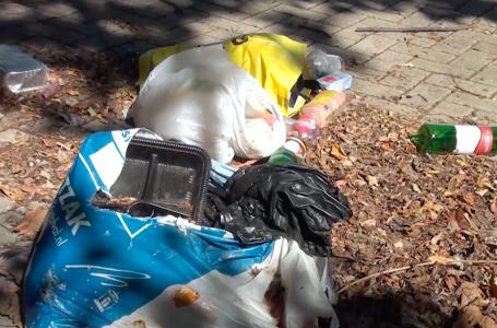 Omwonende heeft genoeg van het dumpen van afval