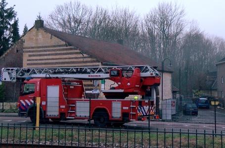 Brand in bedrijfspand aan de  Molenveldweg