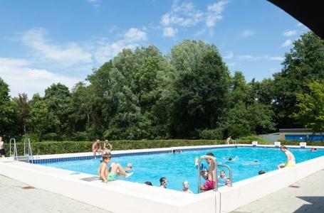 Gemeente betaalt saneringskosten vervuilde grond zwembad Geulle