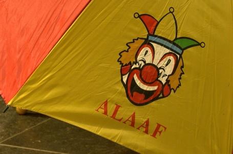 Nieuw carnavalsnummer gepresenteerd aan burgemeester