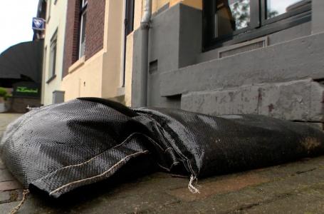 Inwoners en gemeente bereiden zich voor op hevige regenval